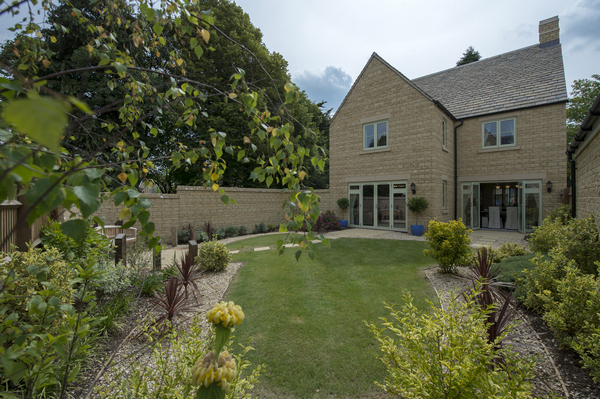 Image for Plan your perfect garden with Bovis Homes