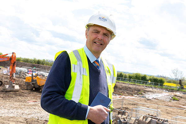 Image for Award-winning site manager excited to deliver new Oxfordshire homes