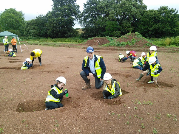 Image for Young pupils enjoy uncovering history on Matford dig with local housebuilder