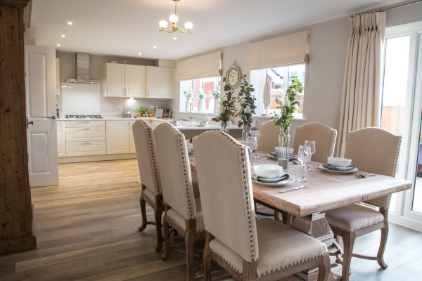 Faringdon Fields show home