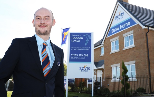 Image for High-flyer Alastair lands Didcot housebuilder job after buying one of their homes