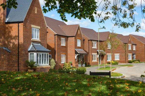 Image for Bovis Homes unveils sparkling new Oxfordshire show home