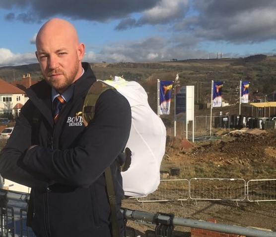Image for Lee faces 40lb backpack battle in Hastings