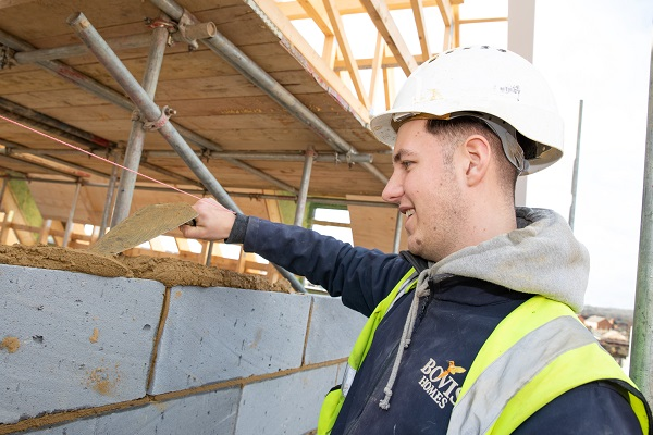 Image for Cambridge apprentice urges schools to support young people into the housebuilding industry