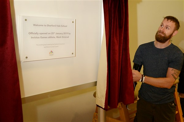Image for New community's first primary school officially opened by Invictus Games athlete, Mark Ormrod