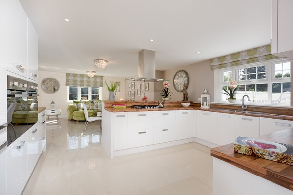 Image for Open-plan Buckinghamshire kitchen cooks up national win in house builder competition